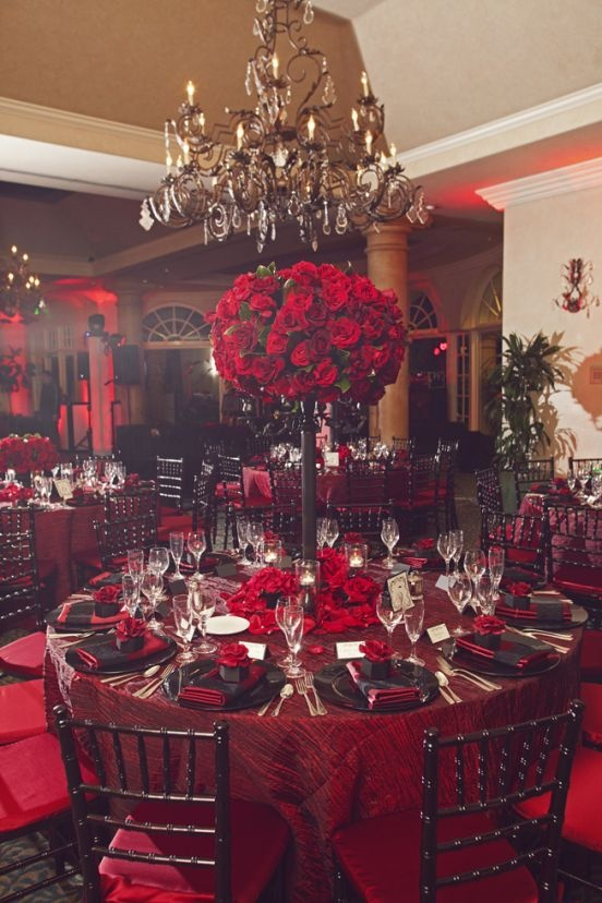 Over-the-top decor / Photo credit: Duke Photography
