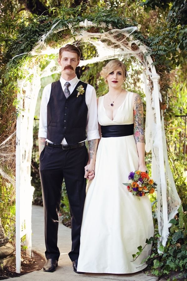 A wedding with a bit of 'goth' / Photo credit: April Smith Photography